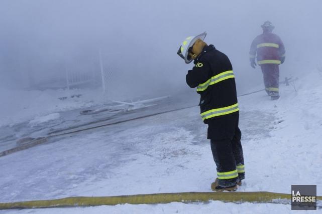 Les pompiers de six municipalités ont été appelés... (Photo Ivanoh Demers, La Presse)