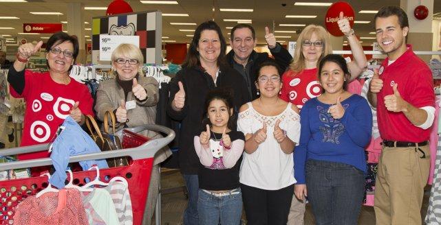 Les employés du magasin Target Anjou, Micheline Pominville,...