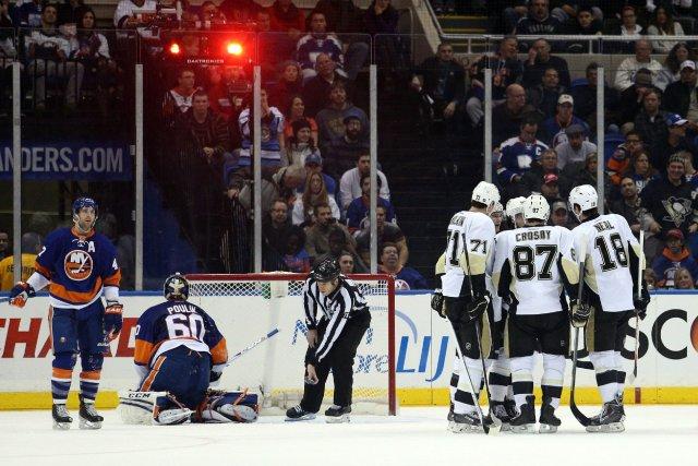 Sidney Crosby et Chris Kunitz ont tous deux marqué un but et récolté deux aides... (Photo Brad Penner, USA TODAY Sports)