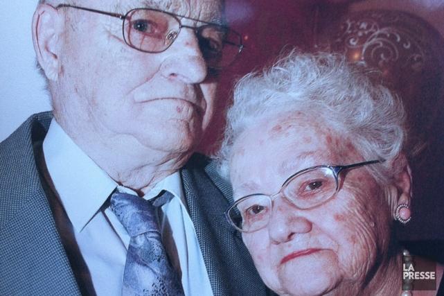 Gérard et Gisèle Ouellet lors de leur 65e... (Photo Olivier Jean, La Presse)