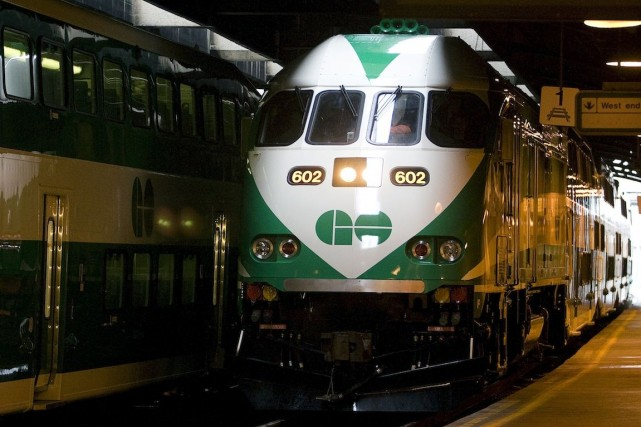 Les trains GO Transit commandés par le gouvernement... (Photo Adrian Wyld, Archives PC)