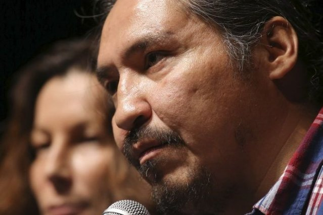 Le chef de la communauté autochtone Athabasca Chipewyan... (Photo TREVOR HAGAN, Reuters)
