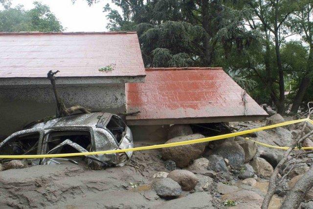 Six des victimes ont péri après qu'une coulée... (Photo Ariel Pacheco, Reuters)