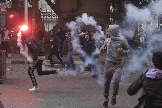 Au Caire, des manifestations de centaines de pro-Morsi... (Photo Ahmed Ashraf, AP)
