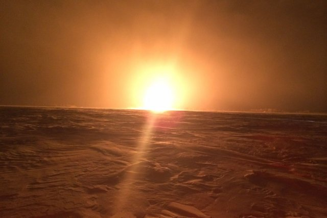 L'explosion était visible à des kilomètres.... (Photo fournie par la GRC)