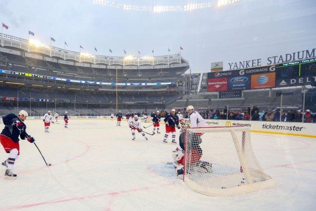 Les joueurs des Rangers alors qu'ils s'entraînent en... (Photo Ed Mulholland, USA Today)