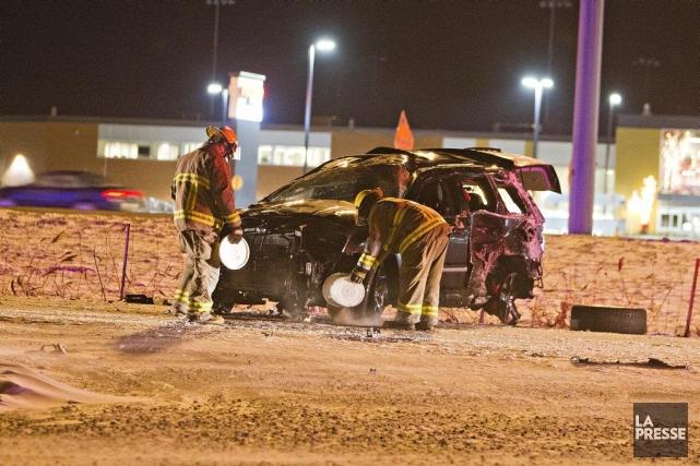 Le conducteur fautif a heurté deux autres véhicules,... (PHOTO FÉLIX O.J. FOURNIER, COLLABORATION SPÉCIALE)