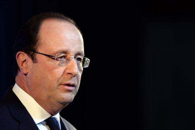 Le président français a assumé seul la décision... (PHOTO FILIPPO MONTEFORTE, REUTERS)
