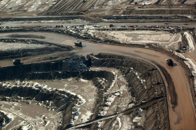 Une installation de sables bitumineux en Alberta.... (Archives Bloomberg)