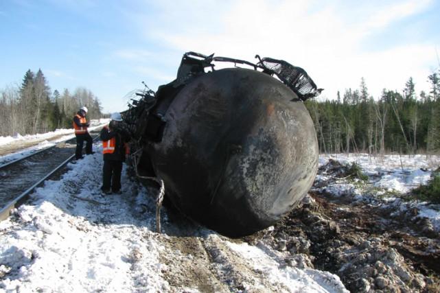 L'enquête a révélé qu'une roue défectueuse s'est brisée... (PHOTO ARCHIVES REUTERS)