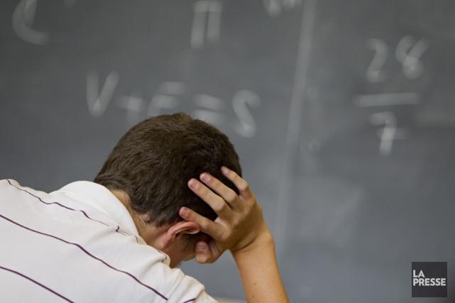 La valeur du diplôme d'études secondaires serait moindre... (Photo Ivanoh Demers, archives La Presse)