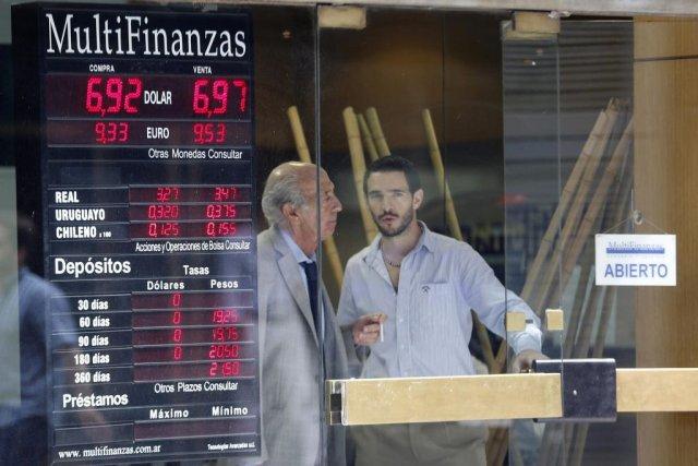 Lors de la crise de 2001 et la... (PHOTO ENRIQUE MARCARIAN, REUTERS)