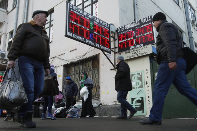 Le rouble subit l'effet du resserrement de la... (Photo Reuters)