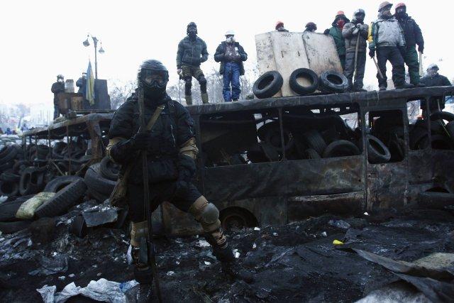 Le mouvement de protestation s'est brusquement radicalisé la... (Photo DAVID MDZINARISHVILI, Reuters)