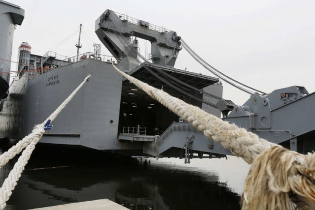 Outre les 35 membres d'équipage duCape Ray, 63... (Photo: Reuters)