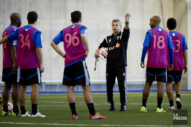 Le nouvel entraîneur-chef de l'Impact Frank Klopas a... (Photo Marco Campanozzi, La Presse)