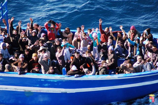 Environ 42900 migrants clandestins sont arrivés en Italie... (PHOTO ARCHIVES AFP/MARINE MILITAIRE ITALIENNE)