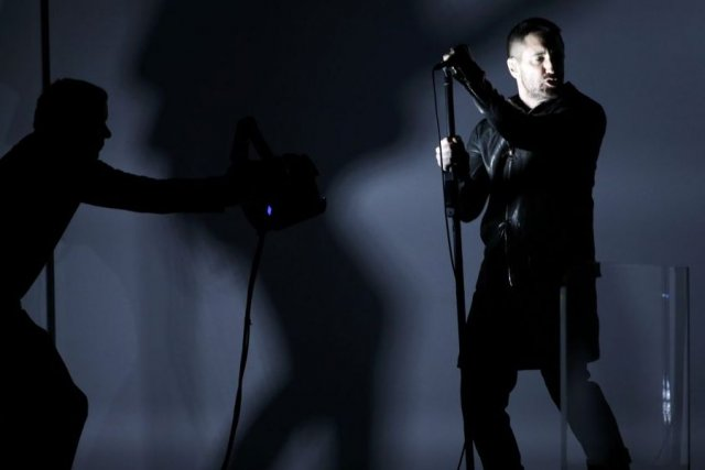 Trent Reznor lors de sa prestation aux Grammy... (Photo: Reuters)