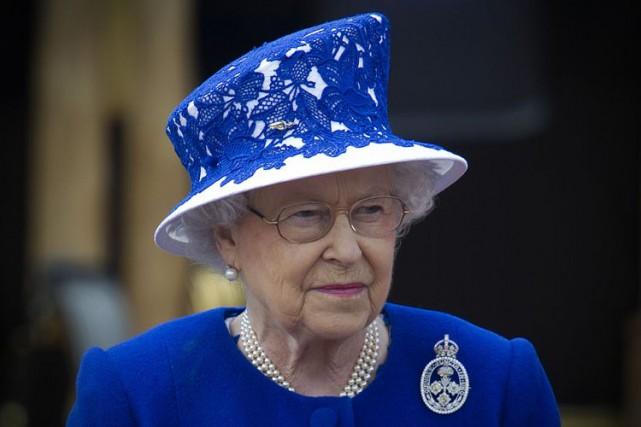 La reine Elizabeth IIa reçu 31 millions de... (PHOTO AFP)