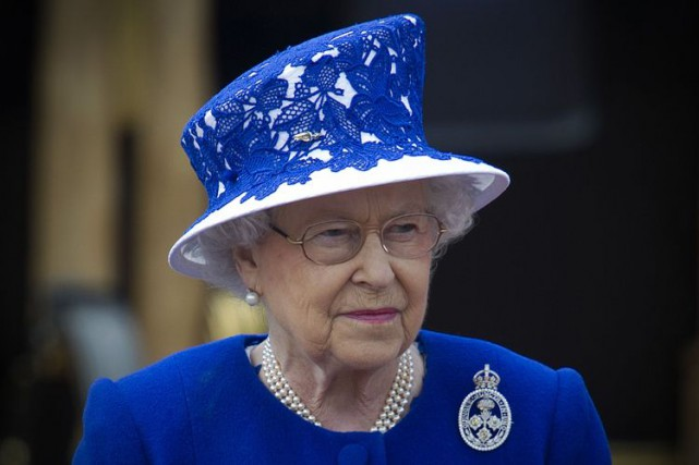 La reine Elizabeth II... (PHOTO AFP)