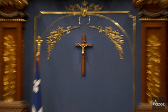 Le crucifix de l'Assemblée nationale.... (PHOTO IVANOH DEMERS, archives LA PRESSE)