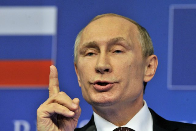 «Attendons la formation du nouveau gouvernement ukrainien», a... (PHOTO GEORGES GOBET, AFP)