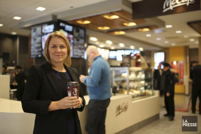 « Les restaurants McDonald's offrent une formation de... (PHOTO MARTIN CHAMBERLAND, LA PRESSE)
