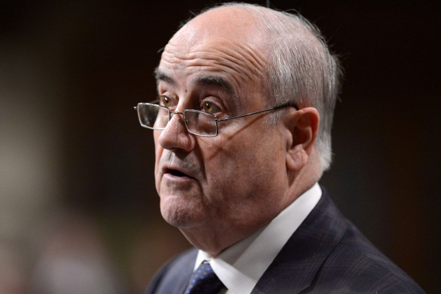Le ministre des Anciens combattants, Julian Fantino... (Archives, La Presse Canadienne)