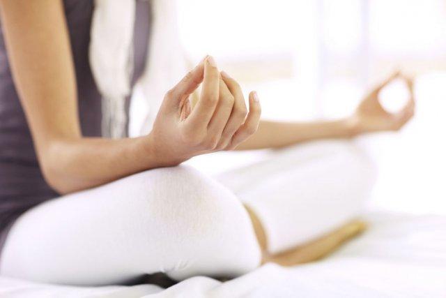 La pratique du yoga, ne serait-ce que pour trois mois, peut soulager la fatigue... (Photo Digital Vision/Thinkstock)