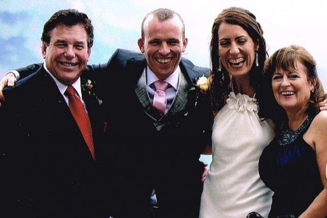 Gary Quenneville (à gauche) a été assassiné à... (Photo fournie par la famille)