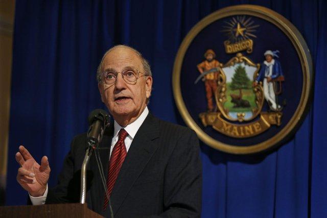 l'ex-sénateur américain du Maine George Mitchell... (PHOTO Robert F. Bukaty, AP)