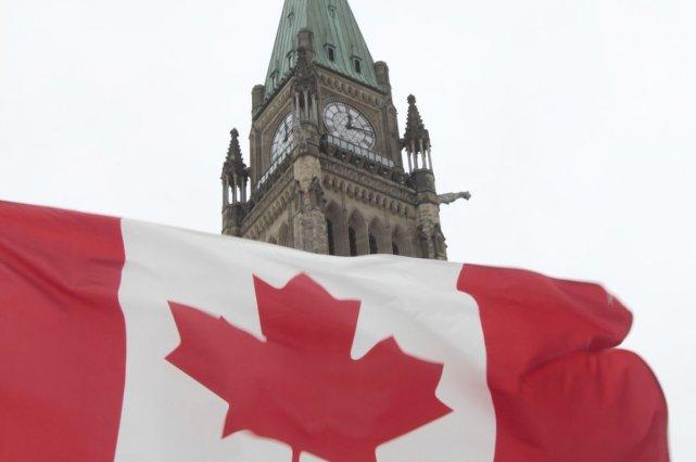 Le gouvernement fédéral a enregistré en novembre un déficit de 614 millions de... (Photo Étienne Ranger, Archives LeDroit)