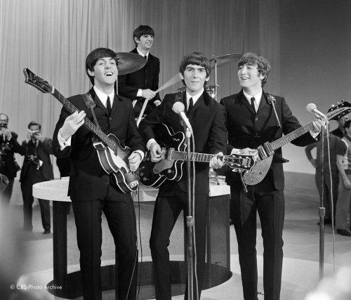 Les Beatles, lors de leur prestation au Ed... (Photo archives)