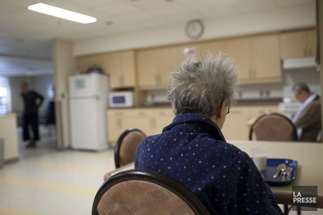 Un regroupement de personnes âgées a demandé hier au gouvernement de cesser... (Photo Olivier Pontbriand, archives La Presse)