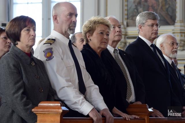De gauche à droite: la mairesse de L'Isle-Verte... (Photo Ryan Remiorz, La Presse Canadienne)