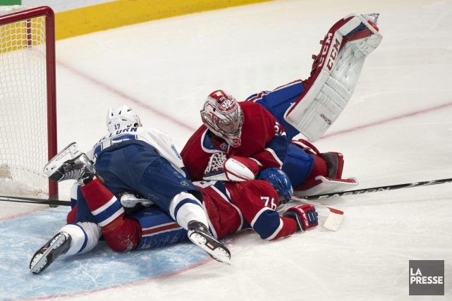 Alex Killorn (17) est étendu sur P.K. Subban... (PHOTO ROBERT SKINNER, LA PRESSE)