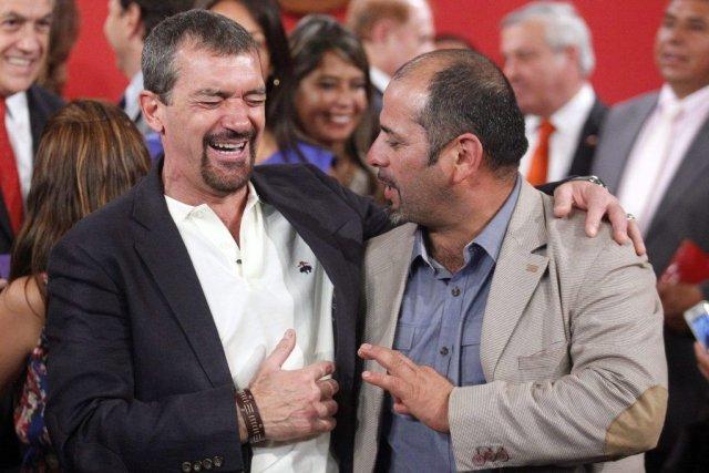 Antonio Banderas, à gauche, aux côtés de Mario... (Photo Luis Hidalgo, AP)