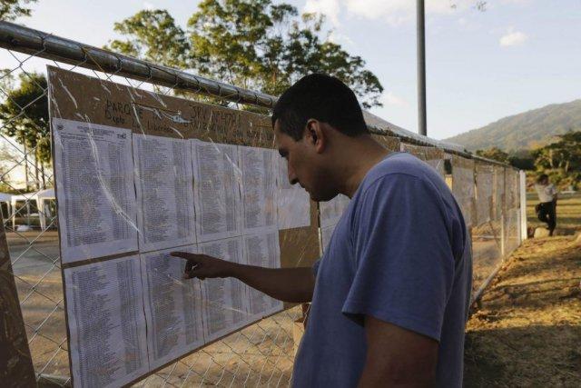 À l'issue du scrutin de dimanche, ou d'un... (PHOTO HENRY ROMERO, REUTERS)