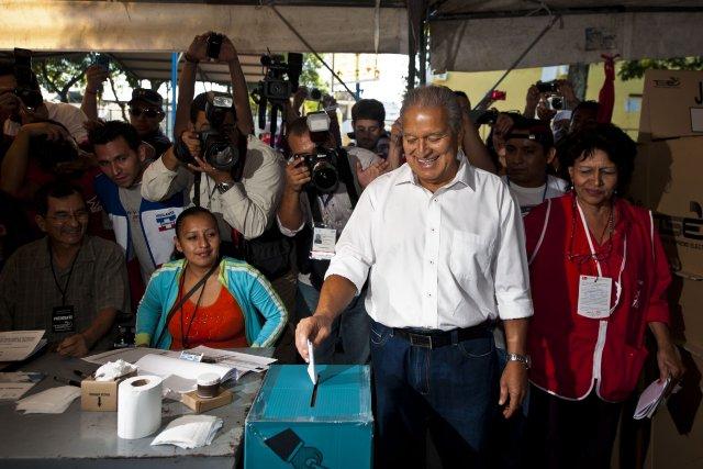 S'il était élu, l'ex-commandant rebelle et actuel vice-président... (PHOTO JOSE CABEZAS, AFP)