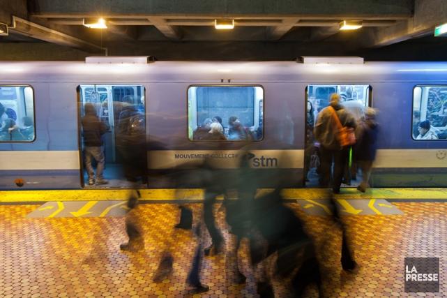 Une agression armée survenue dimanche aux abords de la station de métro... (Photo: Édouard Plante-Fréchette, archives La Presse)