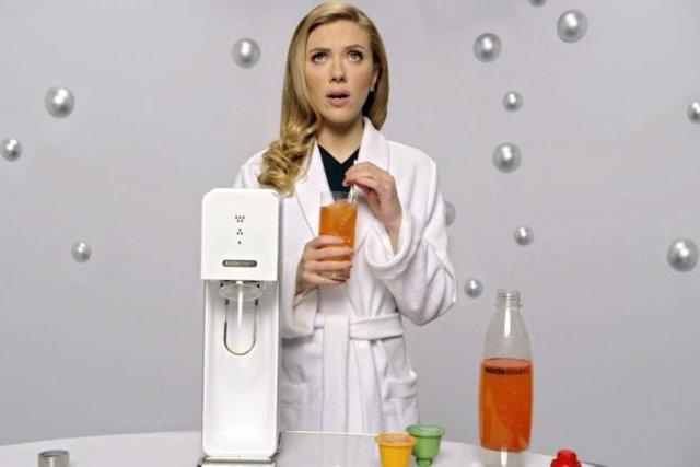 La publicité de SodaStream avecl'actrice Scarlett Johansson a... (PHOTO FOURNIE PAR SODASTREAM)