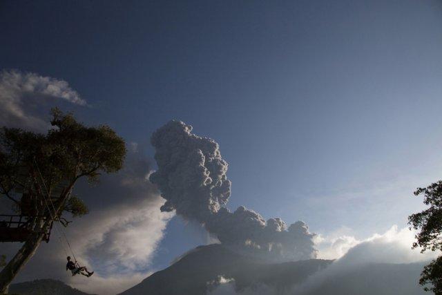 Le volcan Tungurahua est en éruption depuis 1999,... (Photo: Reuters)