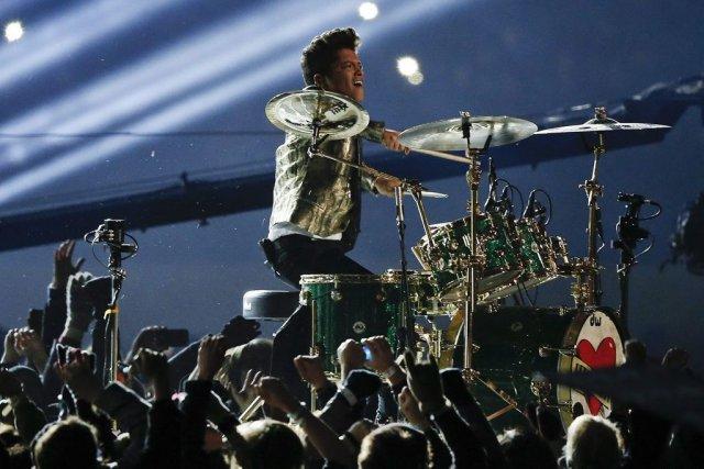 Bruno Mars a lancé le bal avec un... (Photo: AP)