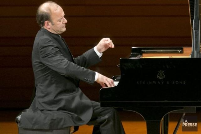 Louis Lortie jouant Liszt dans une Maison symphonique... (Photo: Hugo-Sébastien Aubert, La Presse)