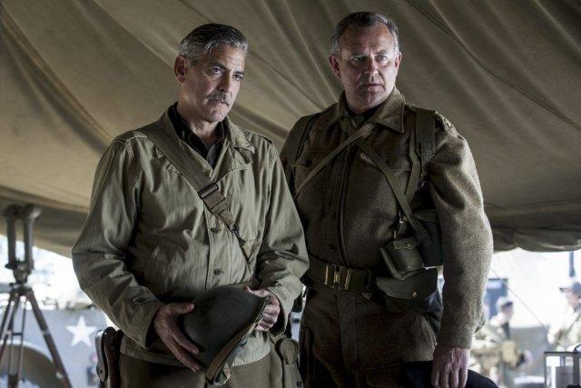 George Clooney et Hugh Bonneville dans The Monuments... (Photo: fournie par Sony Pictures)