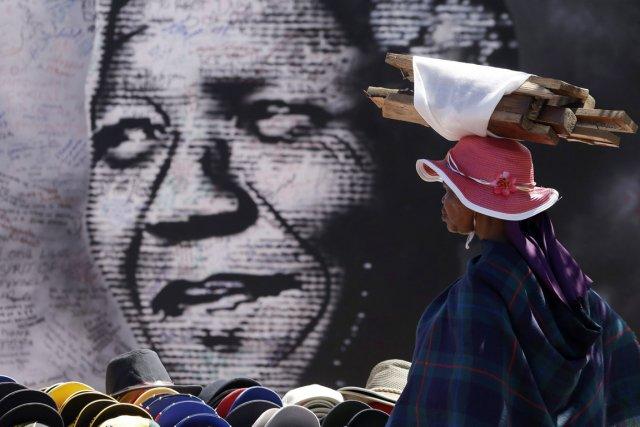 Assistante personnelle et de confiance de l'ancien président sud-africain... (PHOTO THEMBA HADEBE, AP)