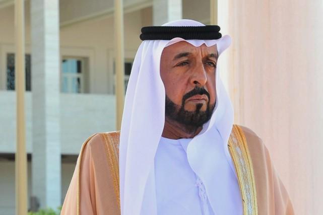 À la fois président des Émirats arabes unis... (PHOTO MURAT CETINMUHURDAR, ARCHIVES AP)