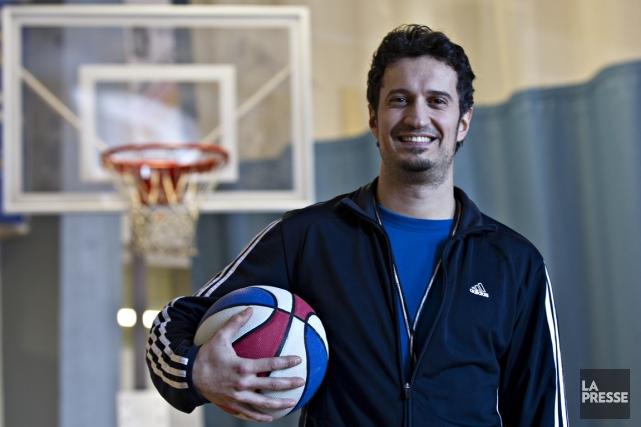 Tristan Naud est enseignant en éducation physique au... (Photo Olivier Jean, La Presse)