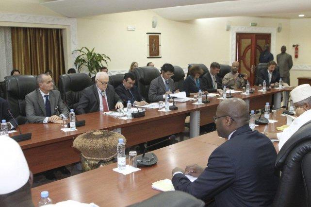 Le premier ministre du Mali, Oumar Tatam Ly,... (Photo HABIBOU KOUYATE, AFP)