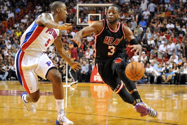 Dwyane Wade (à droite) a inscrit 30 points... (Photo Steve Mitchell, USA Today)